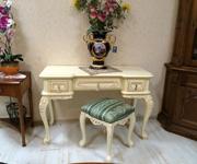 Туалетный стол с зеркалом + пуфик «Клеопатра»