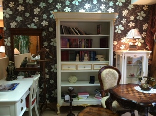 Распродажа мебели для кабинетов со скидкой со склада в Москве